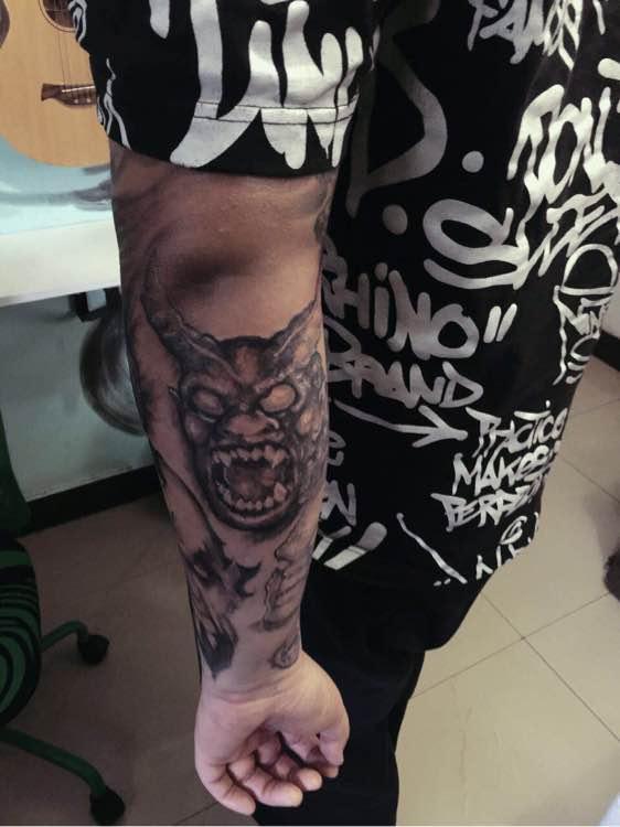 怒佛镇鬼图纹身||鬼图纹身图案||满背纹身鬼图 图片
