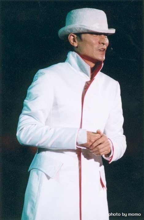 【爱华】刘德演唱会经典造型图片.帅爆了图片