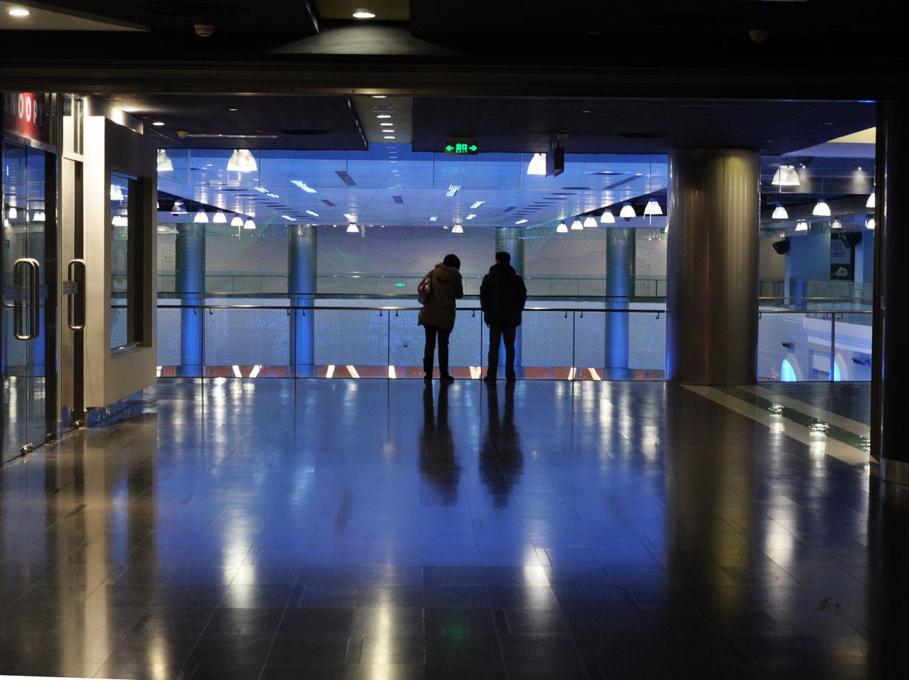 后世博上海梅赛德斯 奔驰演艺中心 灯火阑珊处有你吧 百度高清图片