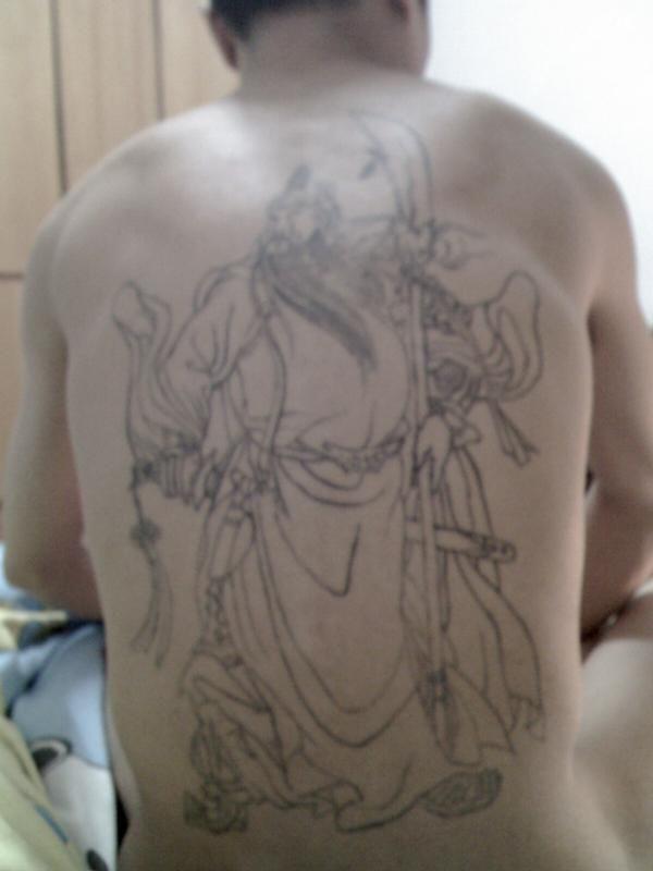 满背关公纹身图片