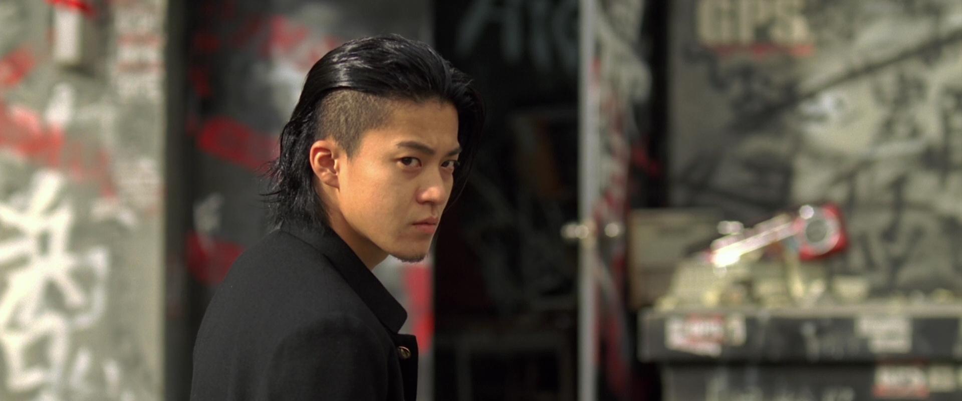 110921【问问】小栗旬在热血高校里的头发怎么整的?图片