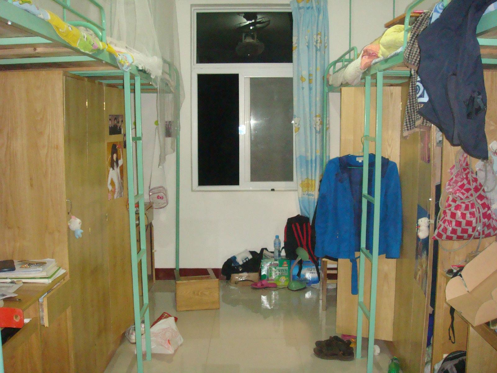 女生宿舍里的臭袜子 除臭袜子