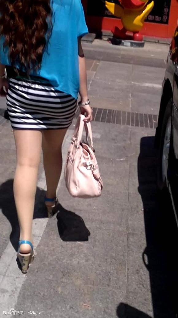 包臀裙肉丝高跟金发美女