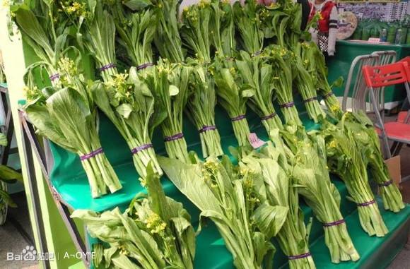 2013年连州菜心节,菜心王31万元拍出-2013年31万的连州菜心图库 图片