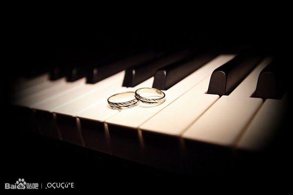 钢琴的唯美图片!图片