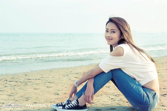 【140718美女之星】组图:颖儿曝海边素颜生活照清新