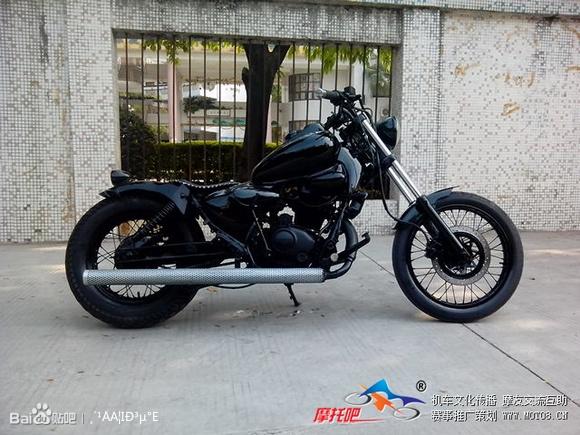 转自摩托吧里的 改装 珠峰太子150cc图片