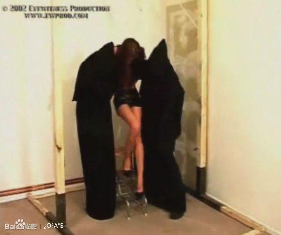 【转】图解直播恐怖分子绞死美女人质全过程