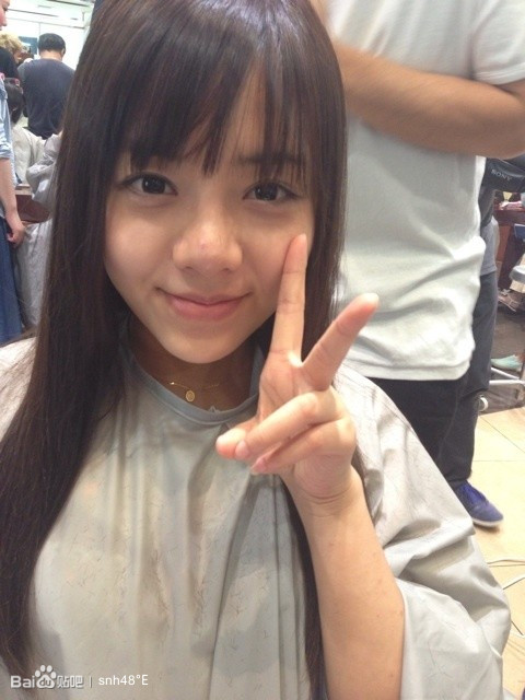 生男孩在日本做发型 高清图片