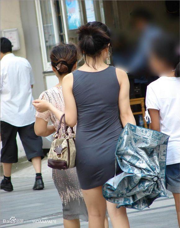 街拍黑丝紧身裙美女 街拍联盟吧
