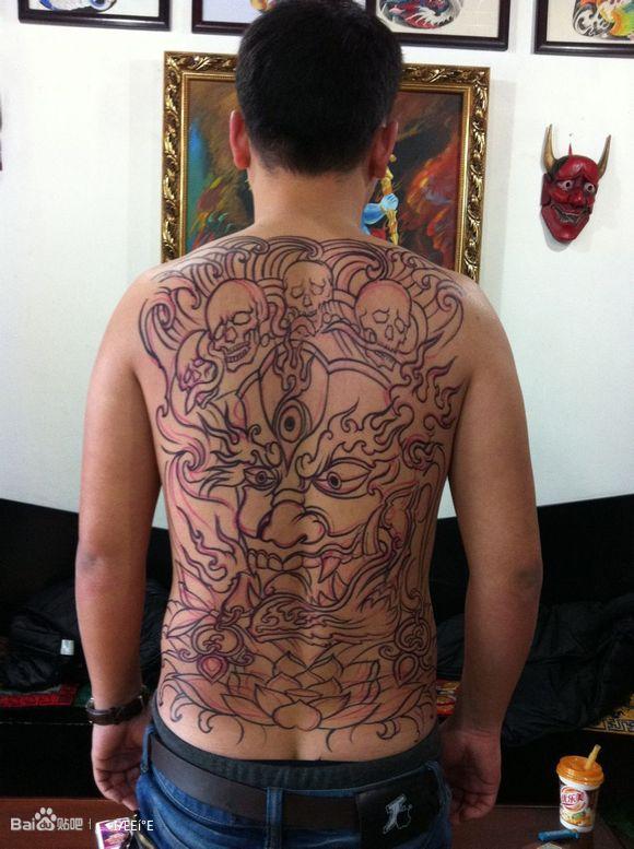 2015半甲花臂纹身