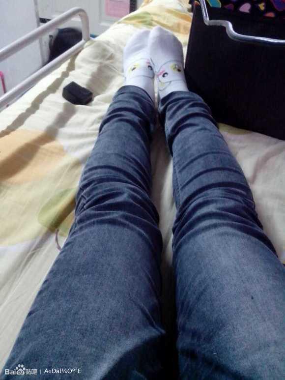 美女的可爱白袜子^^ 莲秀图院吧