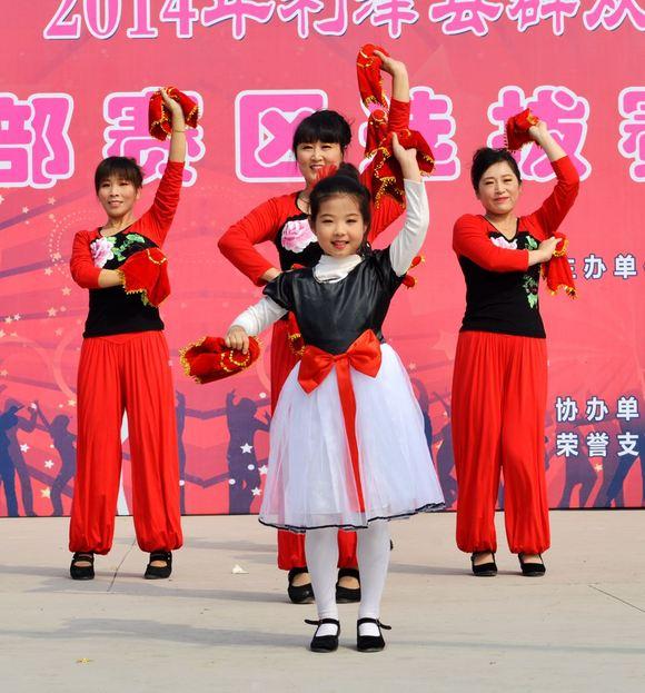广场舞上的美女们