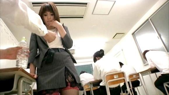 肛に悦Sする美人女教师