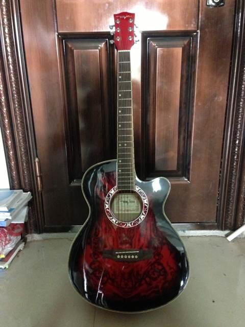 转让 练习用的吉他,基本没用没过 西南交通大学希望学院吧 高清图片