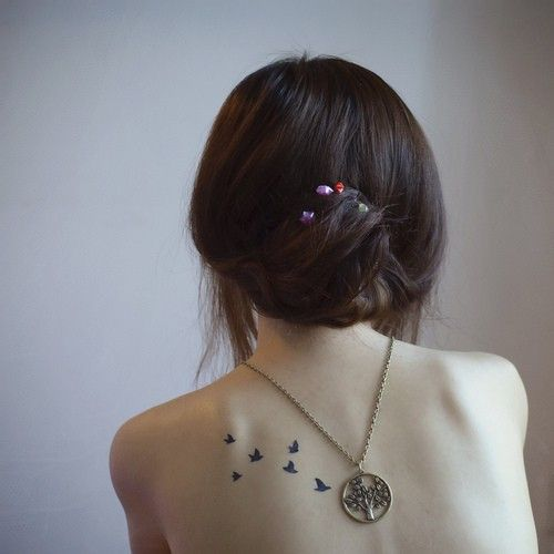 【纹身】小伙伴们看过男主在女主身上纹身的小