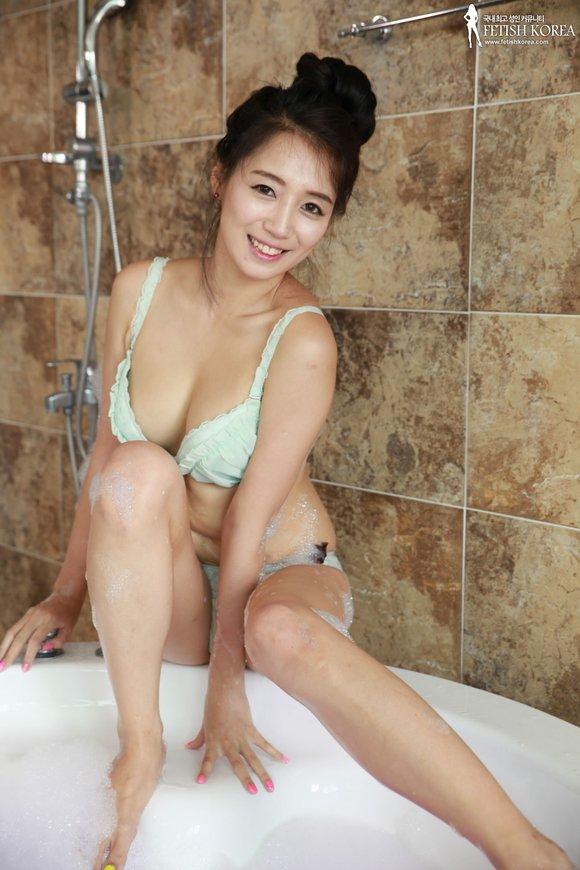 日本 美女洗澡咯 20130912