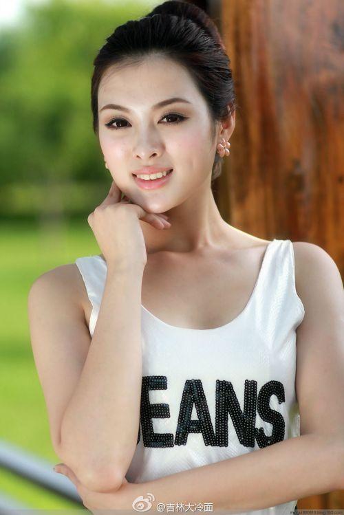 吉林市美女记者网络蹿红