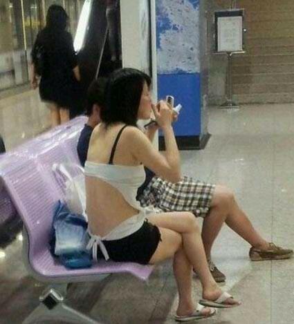 夏天美女的奇葩穿着 睢县吧