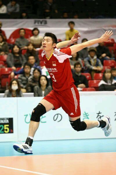 袁志33岁依然保持很高的竞技状态,在中国排球队员中实属罕高清图片