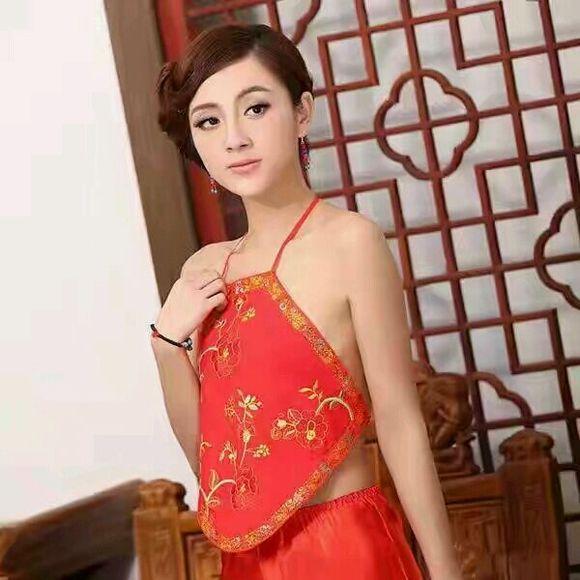 中国古代女子上面穿肚兜