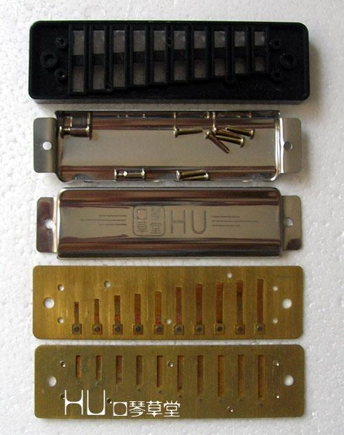 [2] 3构造编辑布鲁斯口琴每孔装有一对簧片,演奏者呼气时发一音,吸气图片
