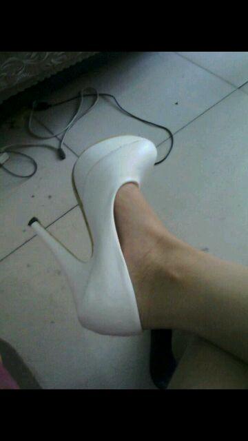微信上骗到正妹高跟鞋