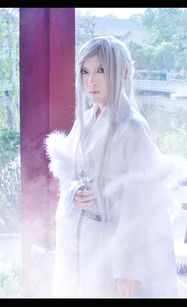 霸气妖孽妩媚的白衣美男图 古风吧 百度贴吧