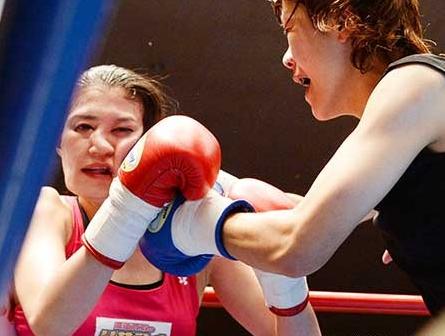 日本美女模特改行拳击被ko