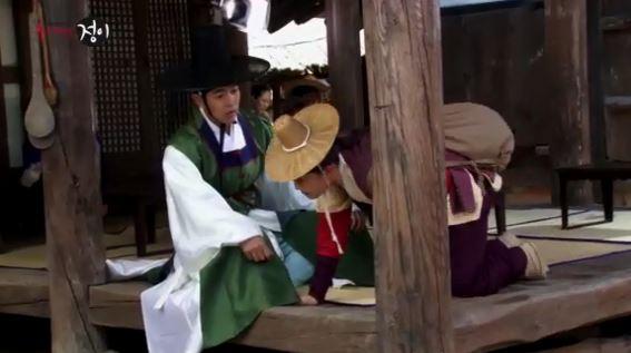 moon★视频130719★文娃假装肚子疼和扔鞋花絮 神
