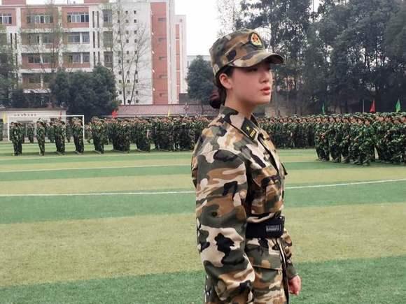 军训 不止看女同学