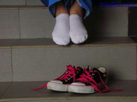 初中白袜女生吧