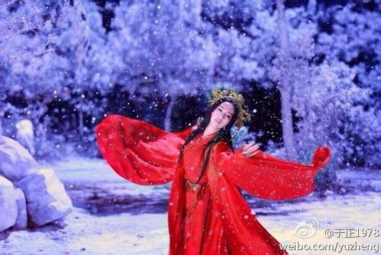 古装剧中的红衣女子