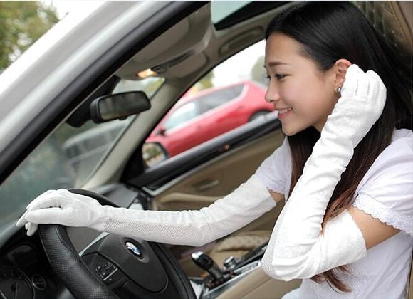 你们是否也对戴长手套的女生无抵抗力?