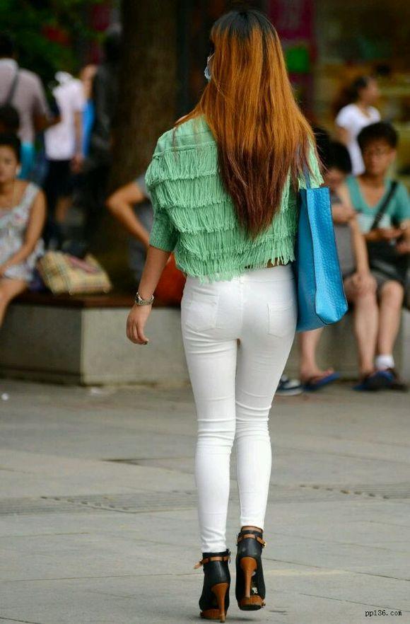白色紧身裤美女 白色紧身裤吧