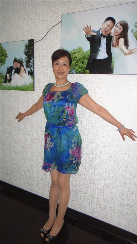 肉丝高跟短裙