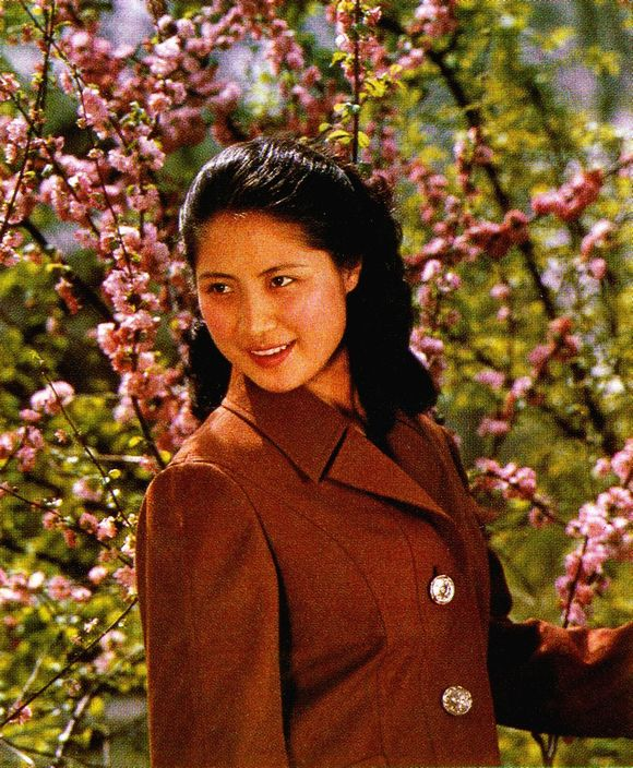 图片】八十年代电影演员——萨仁高娃_八十年代 ...