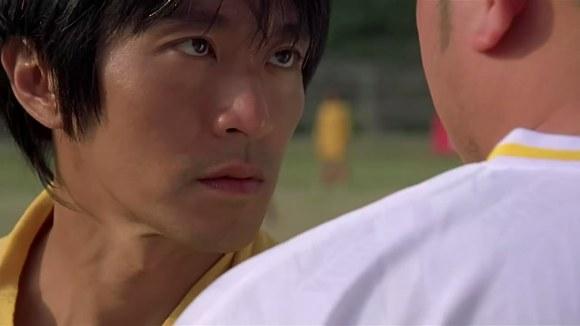 《少林足球》从开场就是一副标准的大片嘴脸图片