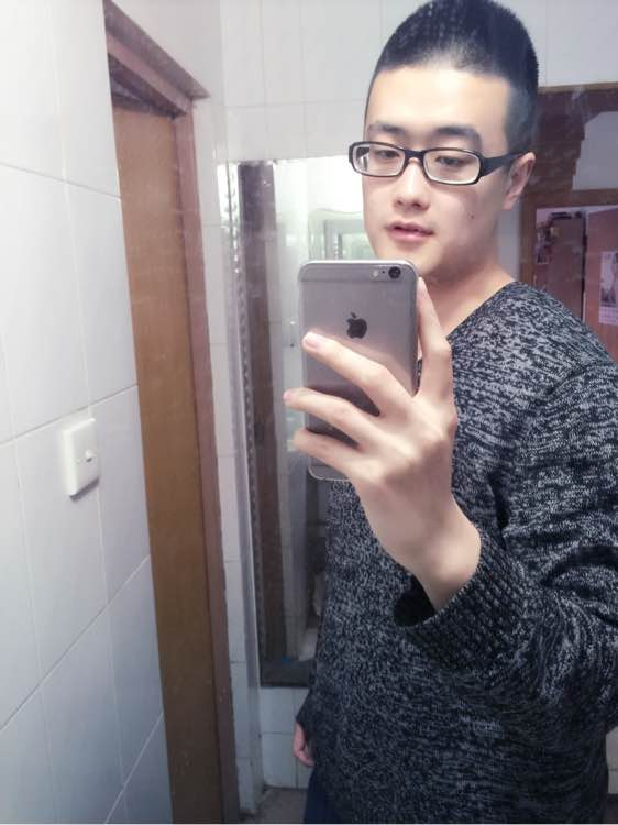 咻自拍_回复:爆爆自己的6p对着镜子的自拍照,美女帅哥,手机壳