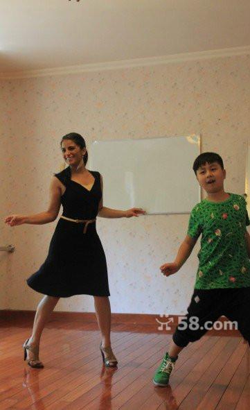 hky&quot学习芭蕾毕业于白俄罗斯州立学艺术