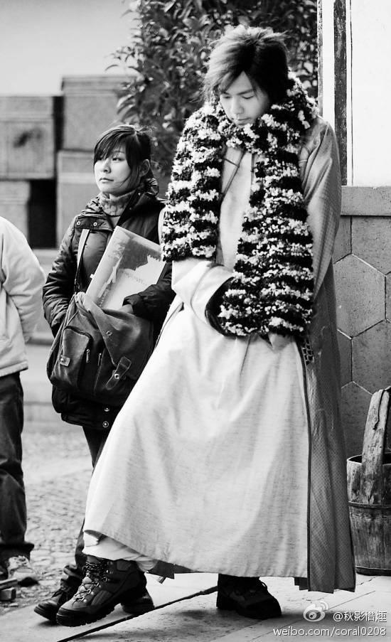 钟汉良的助理小张_【图片】在孤芳花絮看到助理小张,然后搜到小哇帮助理化妆的 ...