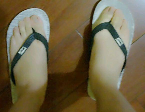 看看我的嫩脚