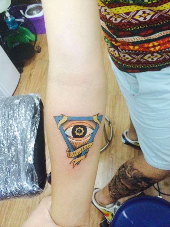 第三个纹身 上帝之眼图片