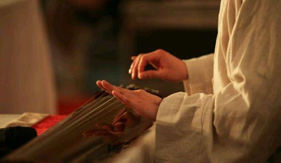 第一次古琴演出,穿自己做的汉服图片
