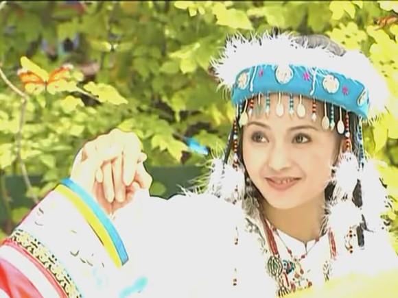 含香扮演者:刘丹/麦迪娜香妃也是还珠格格里美得惊人的角色之