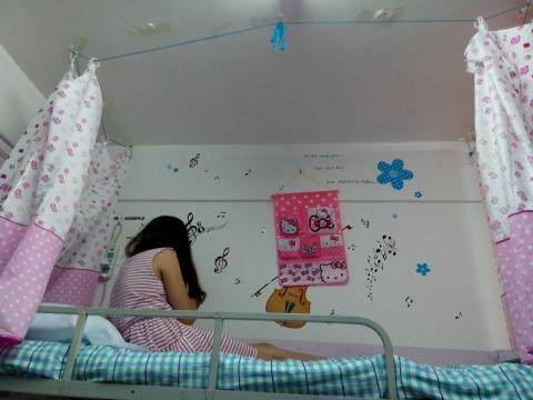 求女生寝室图片