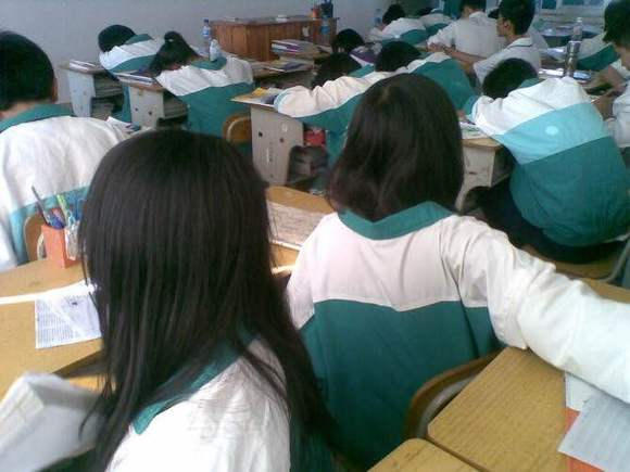竟然换校服了!_泉州城东中学吧_百度贴吧图片