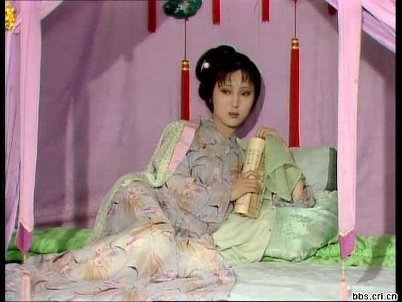 87版 红楼梦 林黛玉的服饰品赏图片