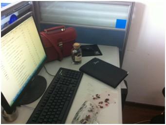 办公室四川美女见红了!