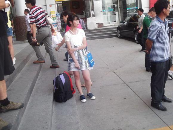 长的好看的女孩肉色短丝袜